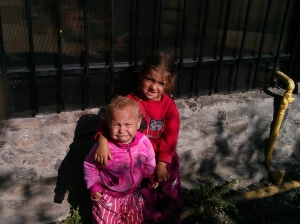 2 kids in street